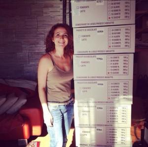 Daniela Li Puma e le zucche di cioccolato del Comitato Maria Letizia Verga