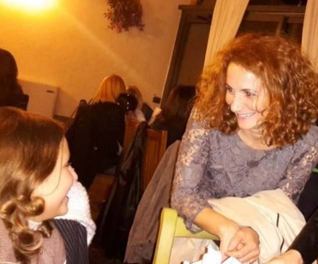 Daniela Li Puma con la nipotina Greta
